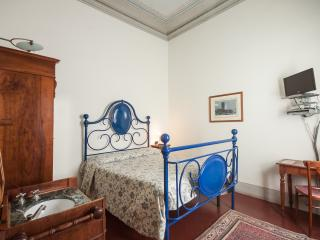 Casa Rovai Double room with private exter.bathroom - Florence vacation rentals