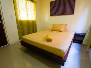 Queen En-suite - Boracay vacation rentals