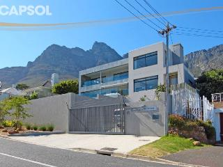Nice Villa with Deck and Internet Access - Camps Bay vacation rentals