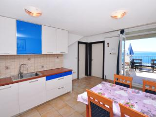 Apartment Omiš (4+2) Nº203 - Omis vacation rentals