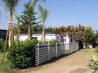case mobili in campeggio sul mare - Campofelice di Roccella vacation rentals