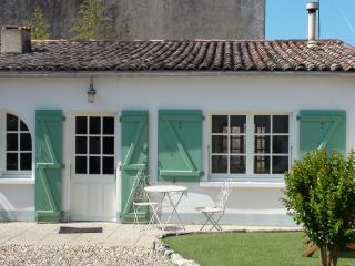 Charming 1 bedroom Vacation Rental in Ile de Re - Ile de Re vacation rentals