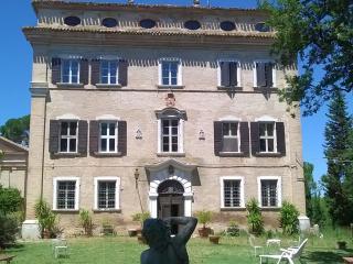 Countess apartment - Palazzo Augusti Castracane - Senigallia vacation rentals