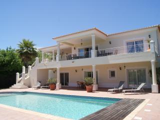 Casa dos Passarinhos - Luz vacation rentals
