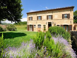 Marcheholiday Circe - San Ginesio vacation rentals