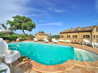 Charming Villa with Dishwasher and Wireless Internet - San Ginesio vacation rentals