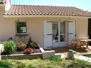 Nice Bed and Breakfast with Internet Access and A/C - Drudas vacation rentals