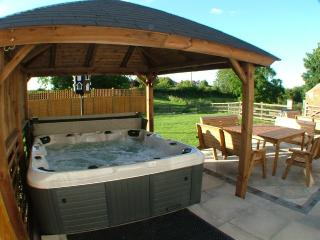 Beautiful 18 bedroom Reighton Farmhouse Barn with Internet Access - Reighton vacation rentals