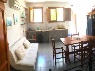 Casa Favonia, in the heart of Favignana - Favignana vacation rentals