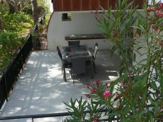 Appartement dans maison avec jardin 50m de la plag - Llanca vacation rentals