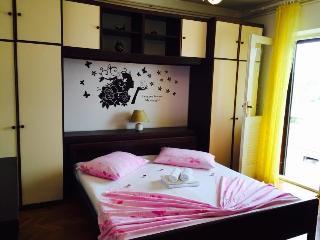 Apartmani Matijašević 4+2 - Jelsa vacation rentals