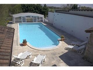 Maison avec étang et piscine privés - Nontron vacation rentals