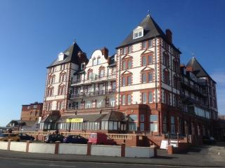 Nice 2 bedroom Condo in Whitby - Whitby vacation rentals