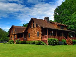Mountain Lodge Near New River and Skiing - Mount Hope vacation rentals