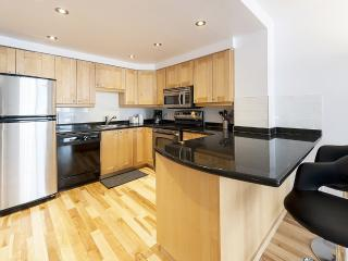 Executive 2-Bedroom suite for rent - 475 - Montreal vacation rentals