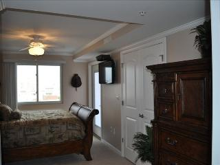 Newer Beautifully Furnished Bayfront Oceanview - Ocean City vacation rentals