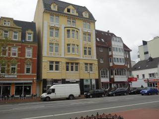 Nice Condo with Internet Access and Short Breaks Allowed - Bremerhaven vacation rentals