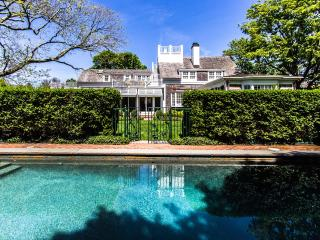 Gorgeous 8 bedroom Chappaquiddick House with Internet Access - Chappaquiddick vacation rentals