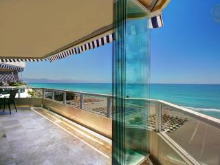 4 Bed Beachfront Penthouse next to Carihuela Beach - Torremolinos vacation rentals
