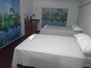 Humminingbird Heights king Solomon's Suites - Scarborough vacation rentals