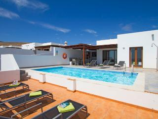 Casa Liana, Holiday Villa with Private Pool, Pool Table, Table Tennis - Playa Blanca vacation rentals
