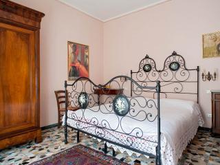 CasaTorre con giardino privato - Vicopisano vacation rentals