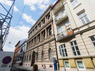 House Octogon - Budapest vacation rentals