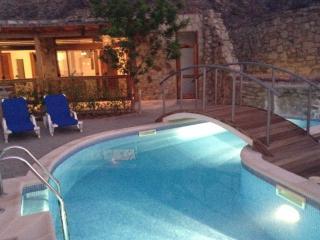 Beautiful Villa with Deck and Internet Access - La Playa de Tauro vacation rentals