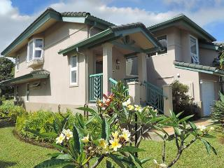 Elegant villa with mountain and golf course views, easy to beaches/shopping - Princeville vacation rentals