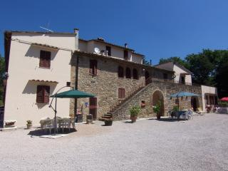 Casale I Perugini - Ideal for families! - Colle Umberto I vacation rentals