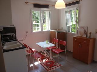 Bright 1 bedroom Vacation Rental in Vrachos - Vrachos vacation rentals