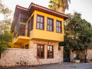Kaleiçi Villa, perfect for a city trip! - Antalya vacation rentals