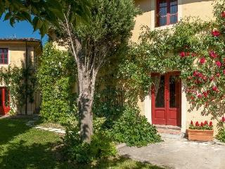 Bright 3 bedroom House in San Pietro a Marcigliano - San Pietro a Marcigliano vacation rentals