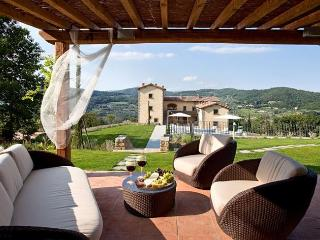 Nice 3 bedroom Villa in San Donato In Collina with A/C - San Donato In Collina vacation rentals