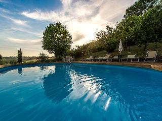 Perfect 1 bedroom Empoli Villa with Shared Outdoor Pool - Empoli vacation rentals