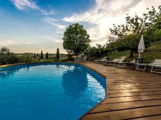Perfect 3 bedroom Empoli Villa with Shared Outdoor Pool - Empoli vacation rentals