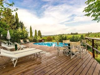 Bright Villa with Shared Outdoor Pool and Television in Empoli - Empoli vacation rentals