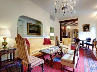 Stylish, Classic 3 Bedroom Rental in Florence - Florence vacation rentals