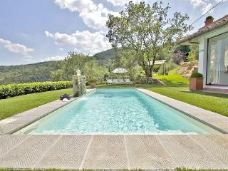 Cozy 3 bedroom Villa in San Donato In Collina with Internet Access - San Donato In Collina vacation rentals