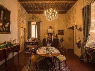 Charming 3 bedroom Cortona Villa with Internet Access - Cortona vacation rentals