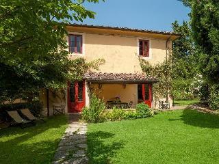 Villa Aristotele - San Pietro a Marcigliano vacation rentals