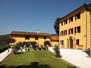 Bright 5 bedroom Massa e Cozzile House with Internet Access - Massa e Cozzile vacation rentals
