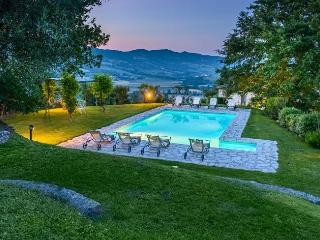 Lovely 7 bedroom Spedalicchio Villa with Internet Access - Spedalicchio vacation rentals