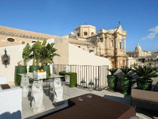 Lovely Villa with Internet Access and A/C - Noto vacation rentals