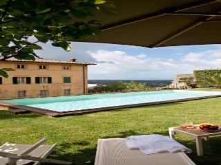 Perfect 8 bedroom House in Monteggiori - Monteggiori vacation rentals