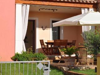 "Villino ""carmen"" 75 mq con giardino in residence - Villasimius vacation rentals"
