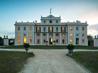 Comfortable Villa with Internet Access and A/C - San Brizio vacation rentals
