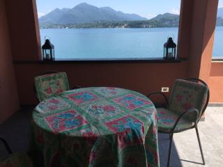 eleganti camere, spiaggia privata - Stresa vacation rentals