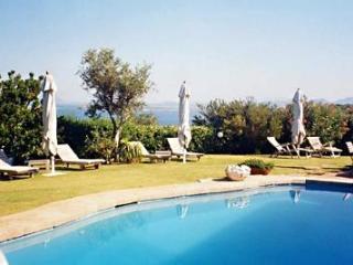 Comfortable 3 bedroom Villa in Porto Cervo with A/C - Porto Cervo vacation rentals