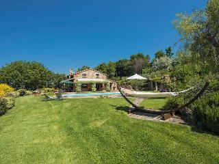 Bright 5 bedroom House in Grutti - Grutti vacation rentals